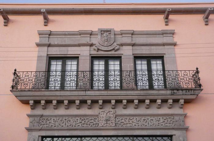 Fachada de Teatro José Minero Roque
